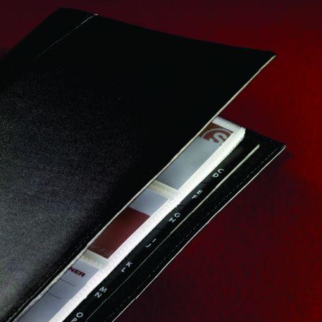 Mapa extensibila din piele neagra fina, cu inele si index A-Z, pentru 160 carti vizita, SIGEL Torino